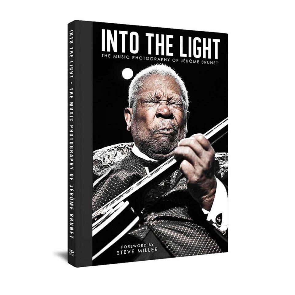 Into the Light © Jérôme Brunet
